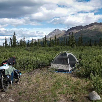 Free camping in the wilderness - Alaska